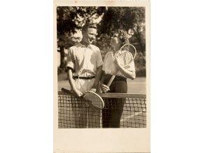 Dobová fotografie Mixový pár tenistů