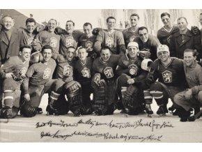 Dobová fotografie hokejového týmu ČSSR DSC 6945