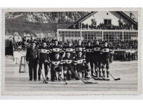 Dobová fotografie pohlednice SK.Slavia Praha, 1938, CortinaDobová fotografie pohlednice SK.Slavia Praha, 1938, Cortina (1)