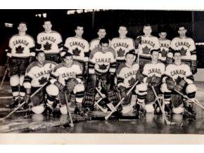 Reprezentační mužstvo CANADA MS v hokeji 1959 ČSSR, maláReprezentační mužstvo CANADA MS v hokeji 1959 ČSSR, malá (1)