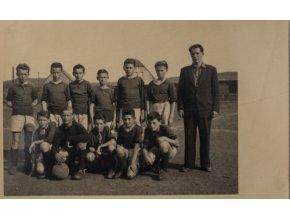 Dobová fotografie fotbalového týmu Radotín, 1949Dobová fotografie fotbalového týmu Radotín, 1949