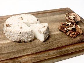 Kozí sýr ořechový