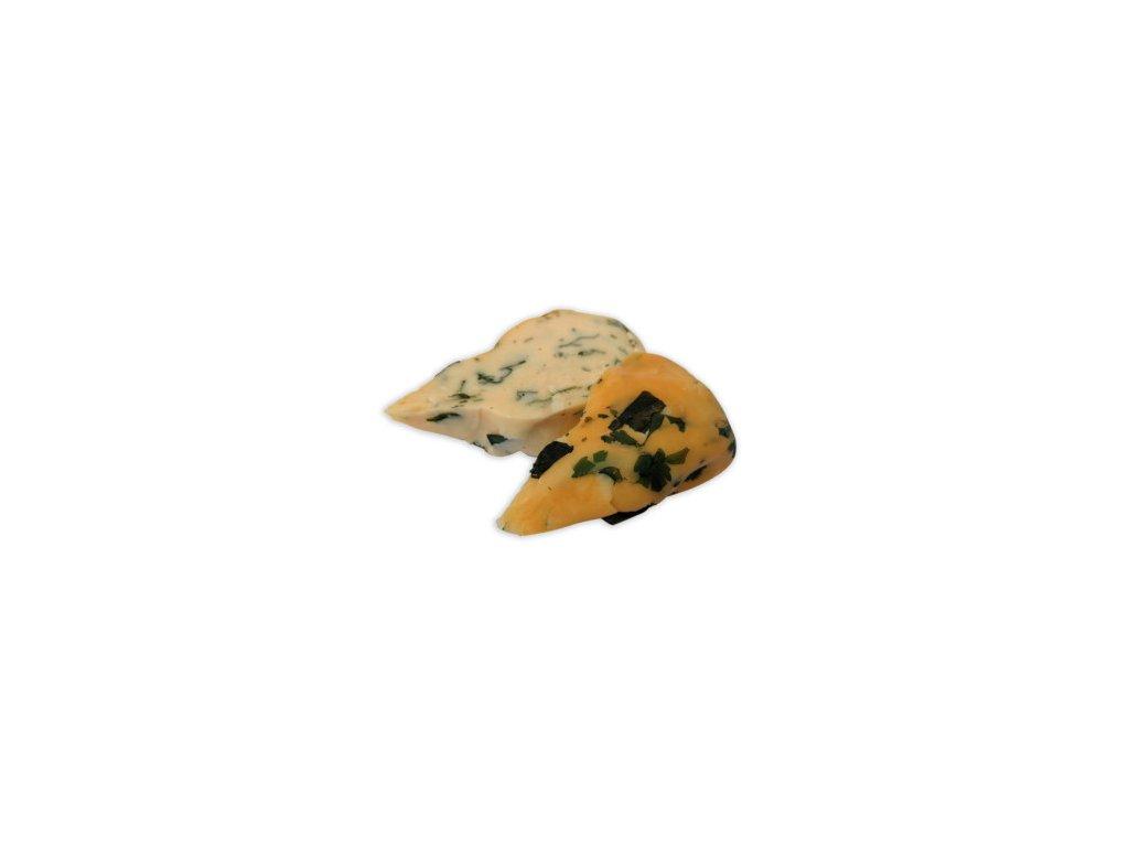 uz sýr s čerstvými bylinkami