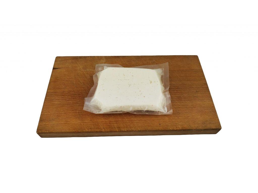 čerstvý farmářský sýr