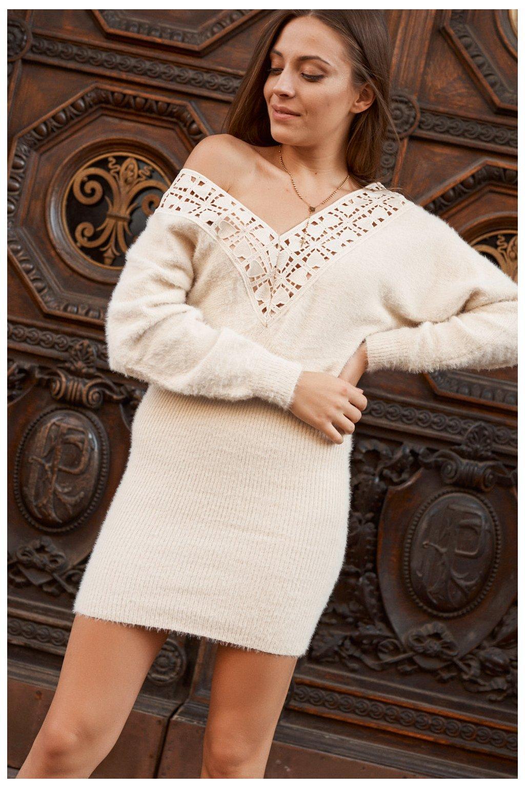 Béžové svetrové šaty Fasardi s krajkou