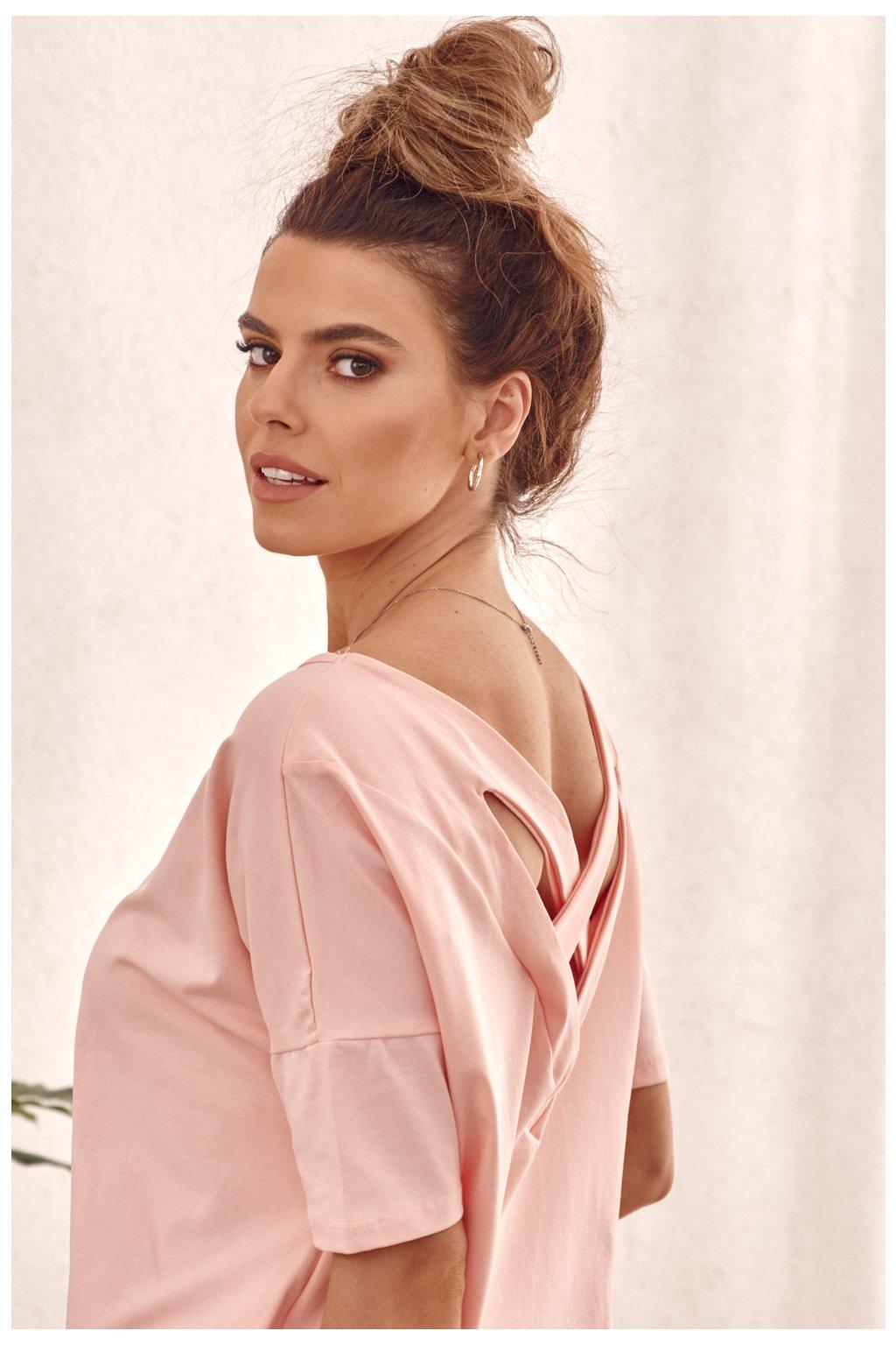 Světle růžové sportovní šaty Fasardi s delším rukávem