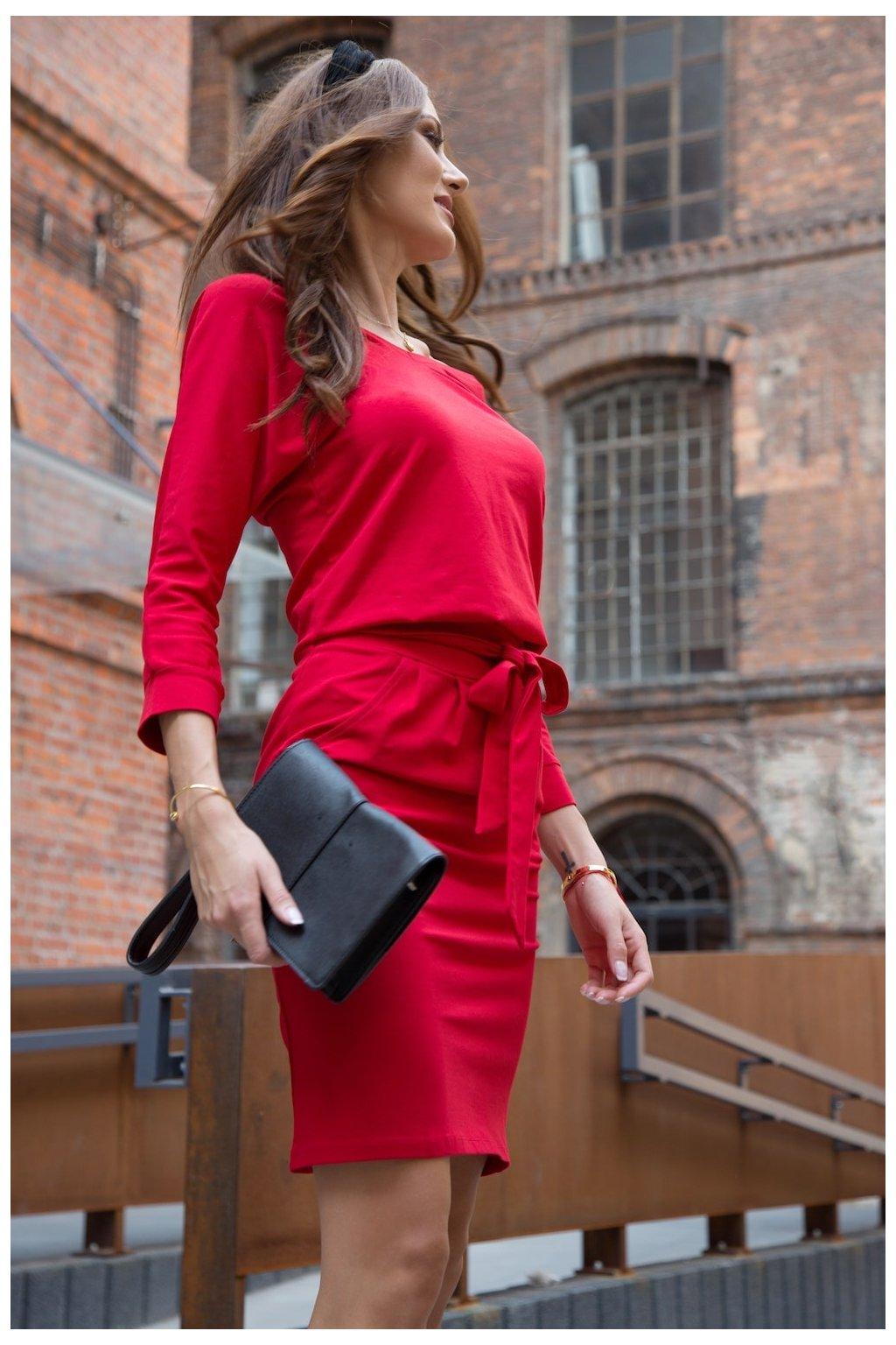 Šaty Fasardi s vázáním v pase červené