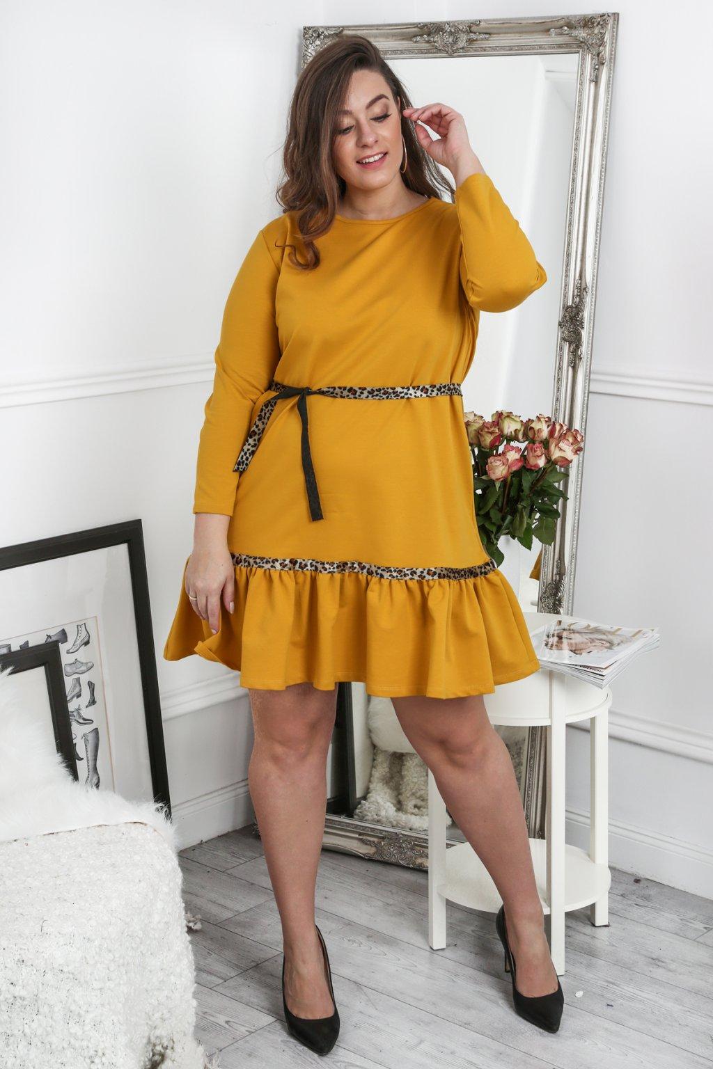 Hořčicové šaty Fasardi s volánky Plus Size