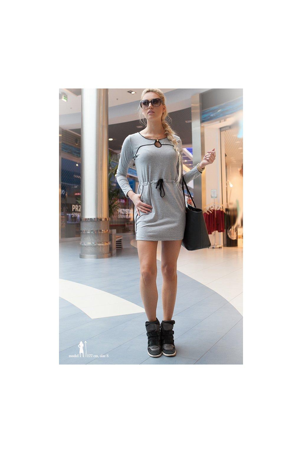Světle šedé šaty Fasardi