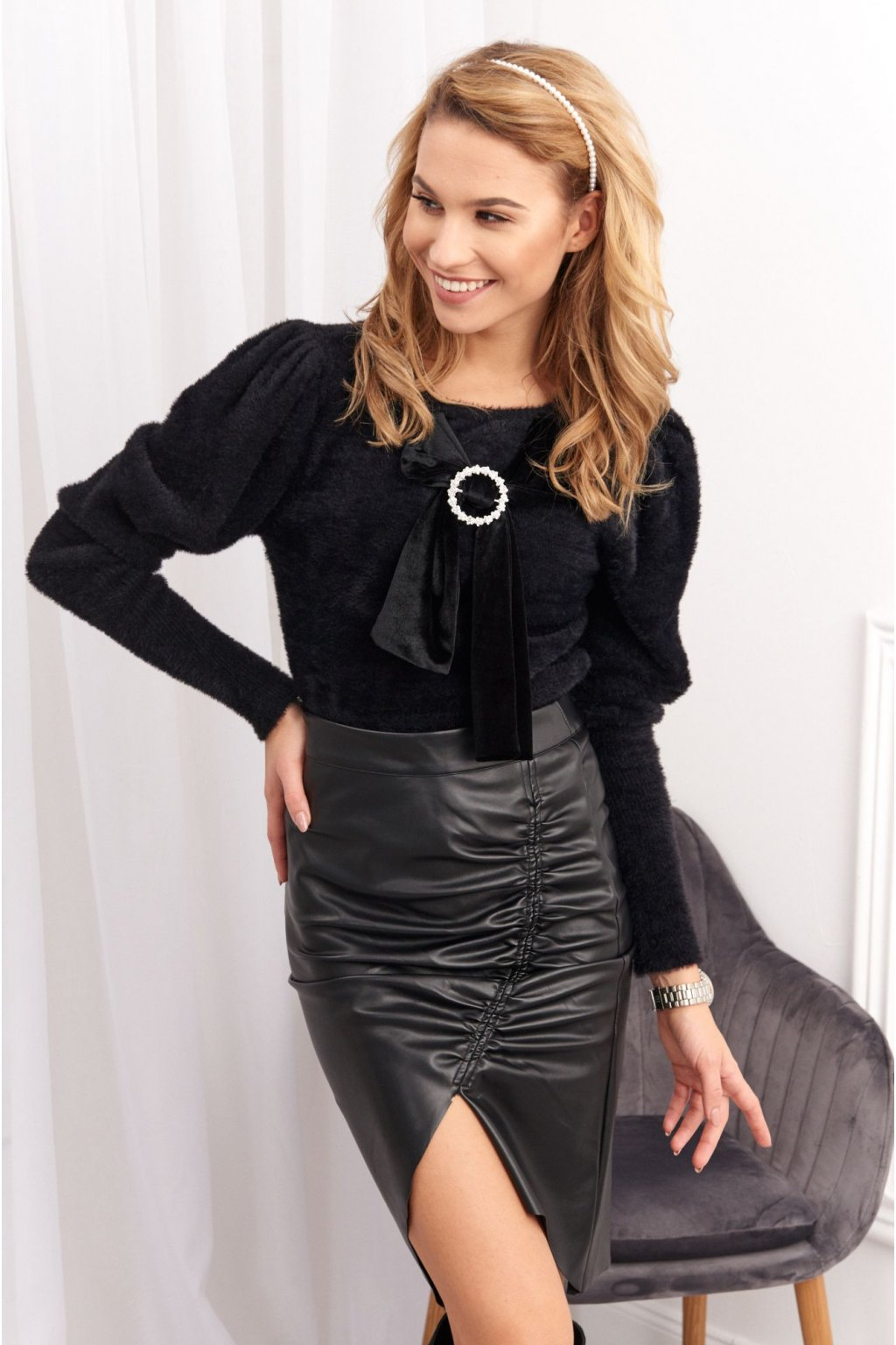 Dámský svetr s ozdobnou mašlí Fasardi černý