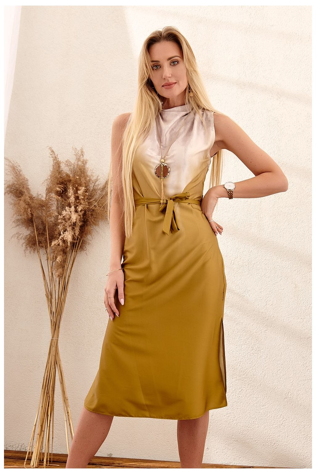Jemné šaty s olivovým páskem PR91581
