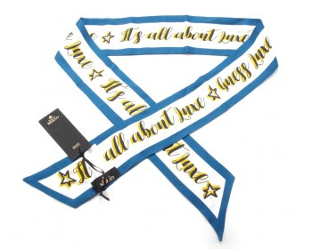 Guess Luxe hedvábný šátek AW7687SIL03