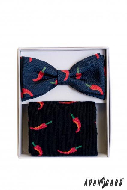 Dárkový set motýlek a ponožky v módní modré barvě se vzorem chilli papriček 779 - 05002