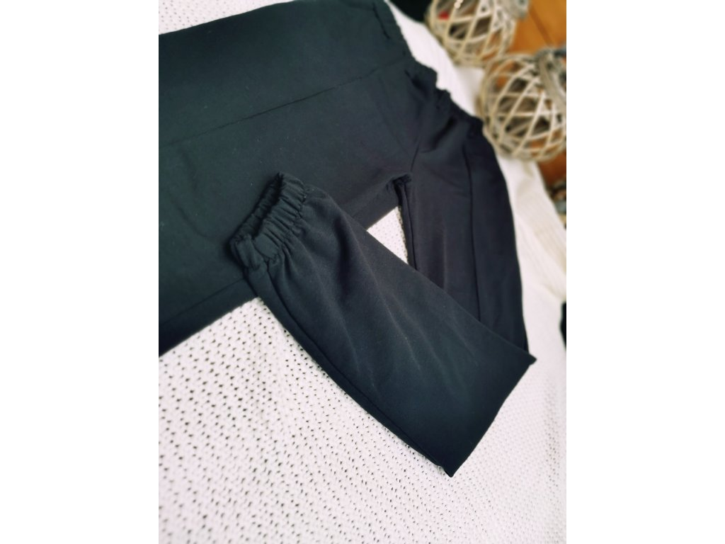 Kalhoty teplákové MOOSE/ černé