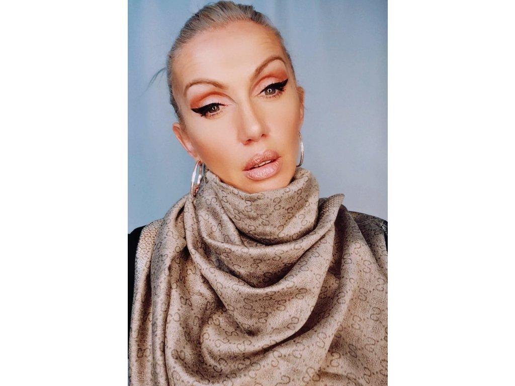 Fashionistka: Hnědý šál, šála, šátek.