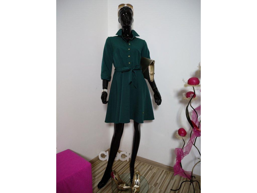 Krásné šaty v tmavé zelené barvě