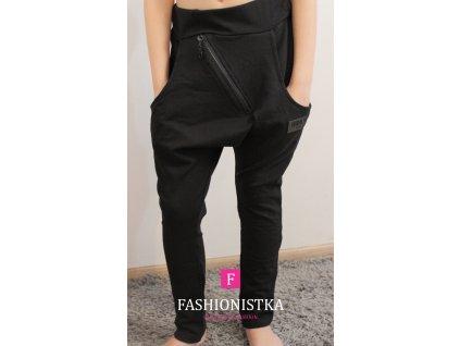 Fashionistka: BAGGY se šikmým zipem černé