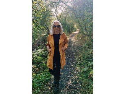 Fashionistka: Dámský kabát vhodný na jaro nebo na podzim.