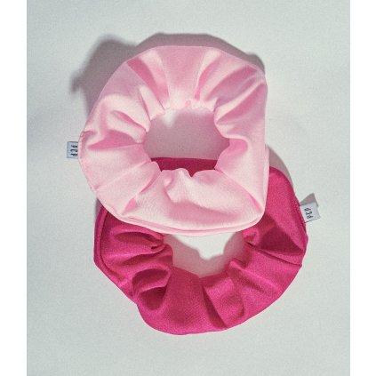 ruzove scrunchies gumicky