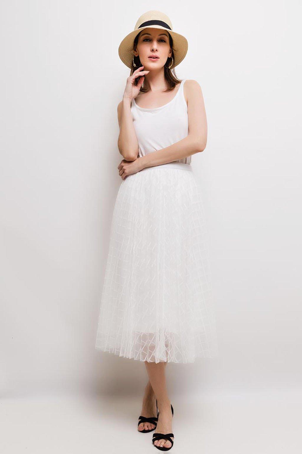 Bílá plisovaná midi sukně