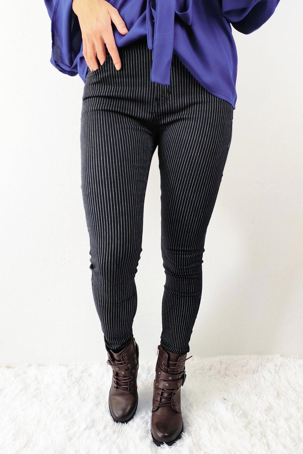 Černé dámské pruhované kalhoty (2)