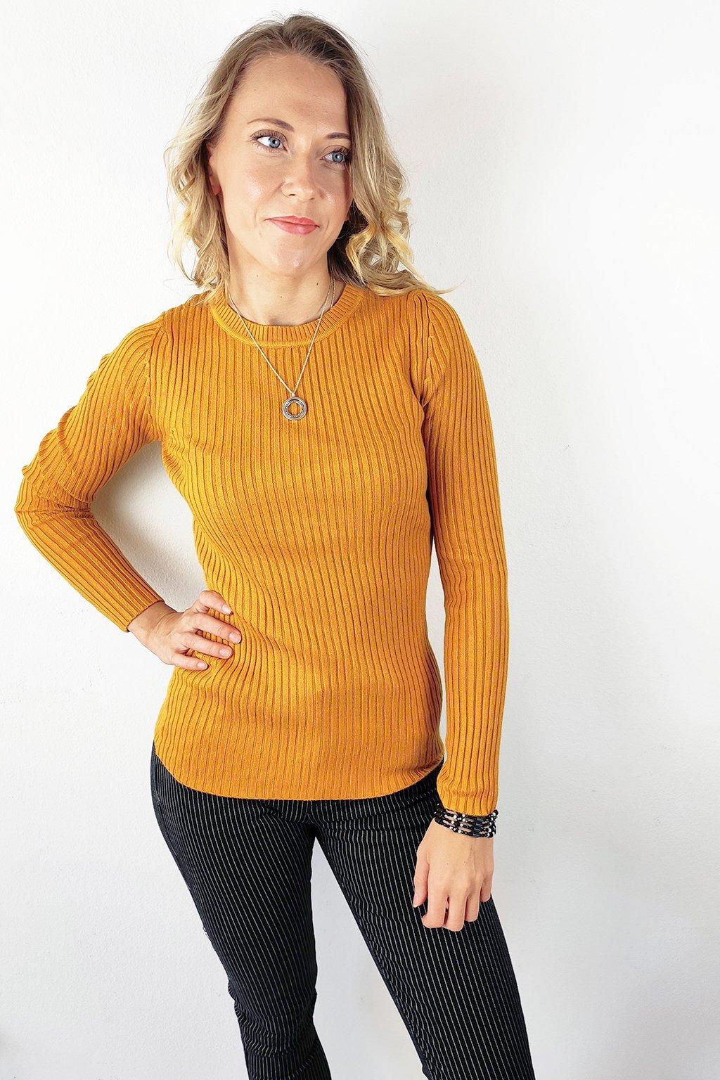 Hořčicově žlutý dámský pruhovaný svetr