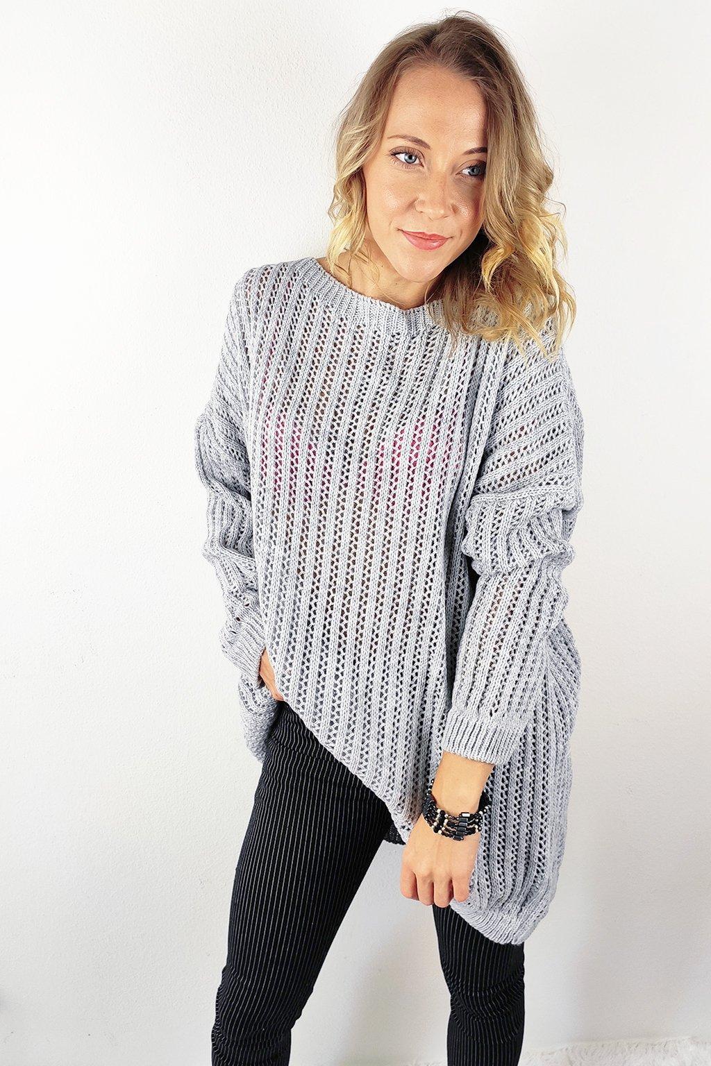 Světle šedý dámský oversize svetr