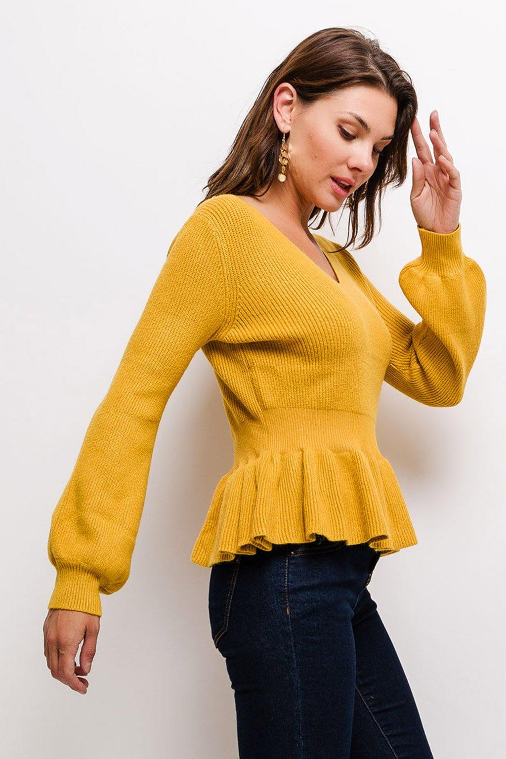 Horčicově žlutý dámský svetr s volánem (3)