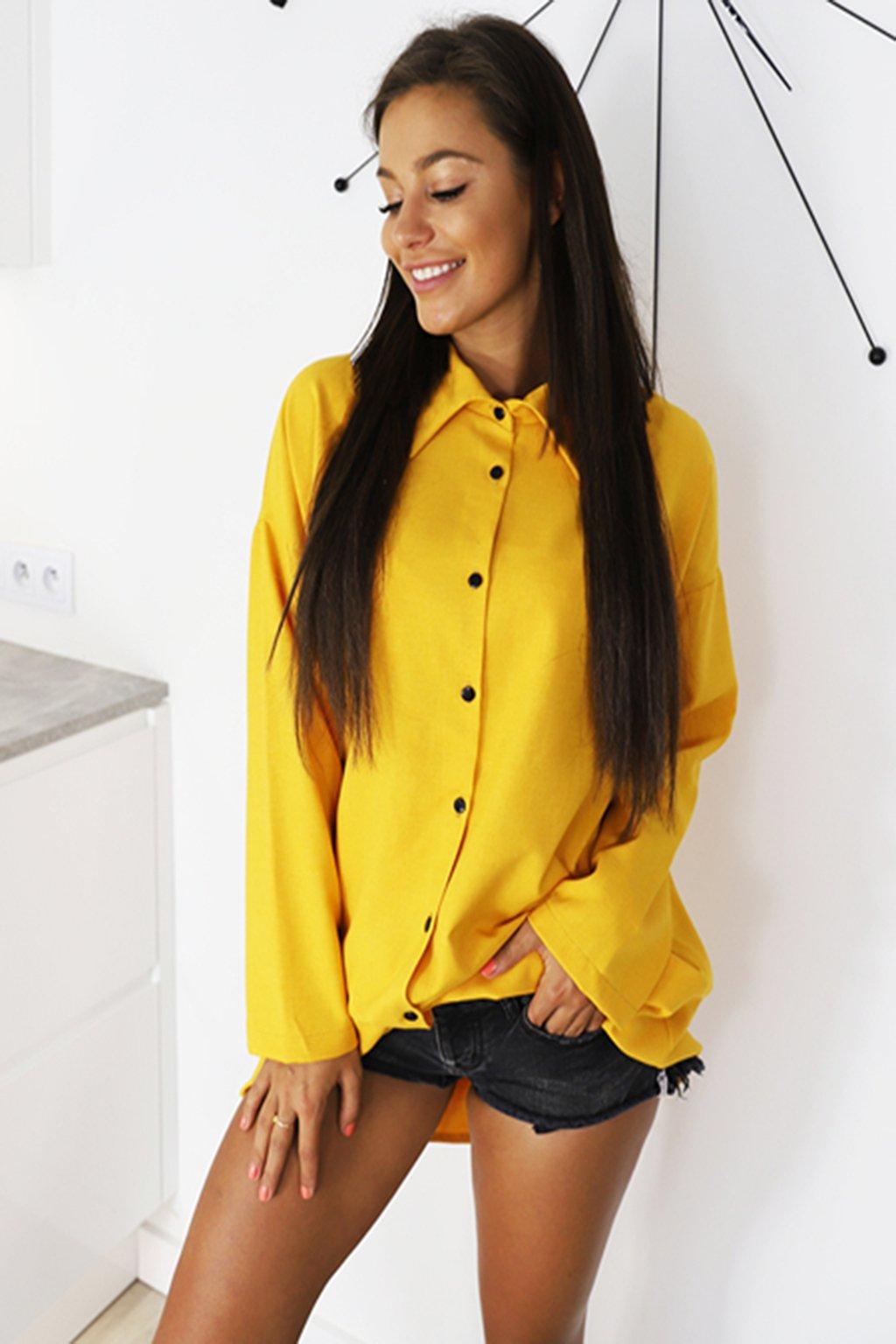 Žlutá dámská oversize košile (4)