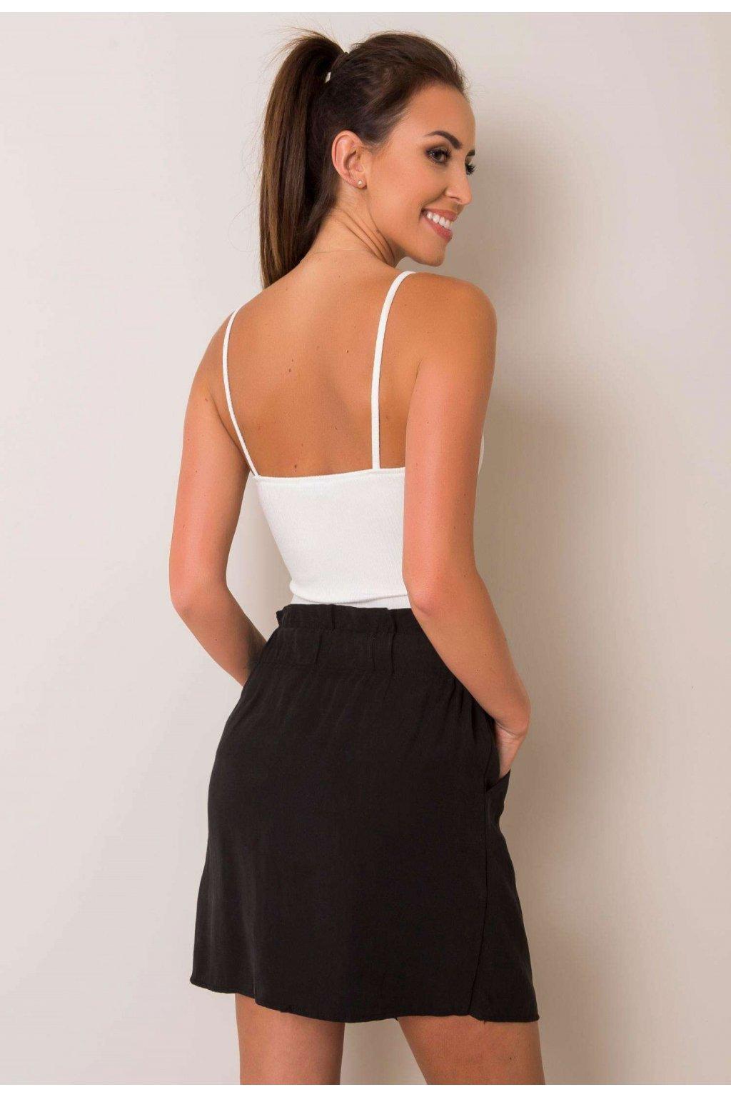 Černá dámská pouzdrová sukně