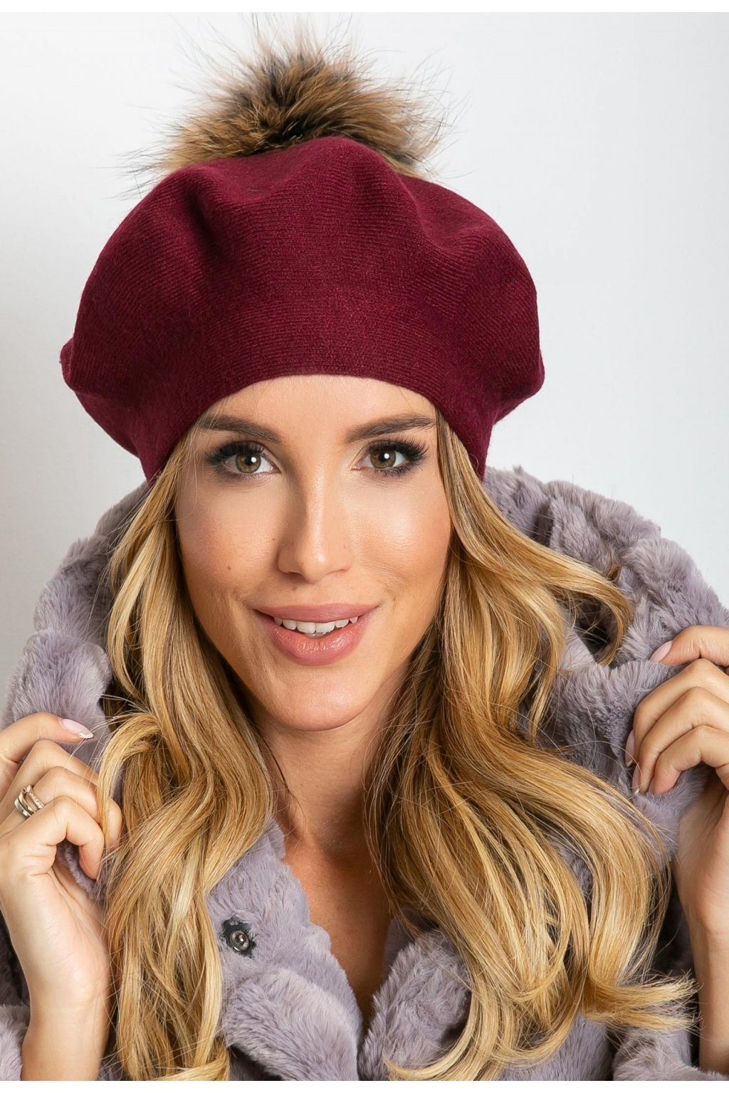 Bordová dámská čepice