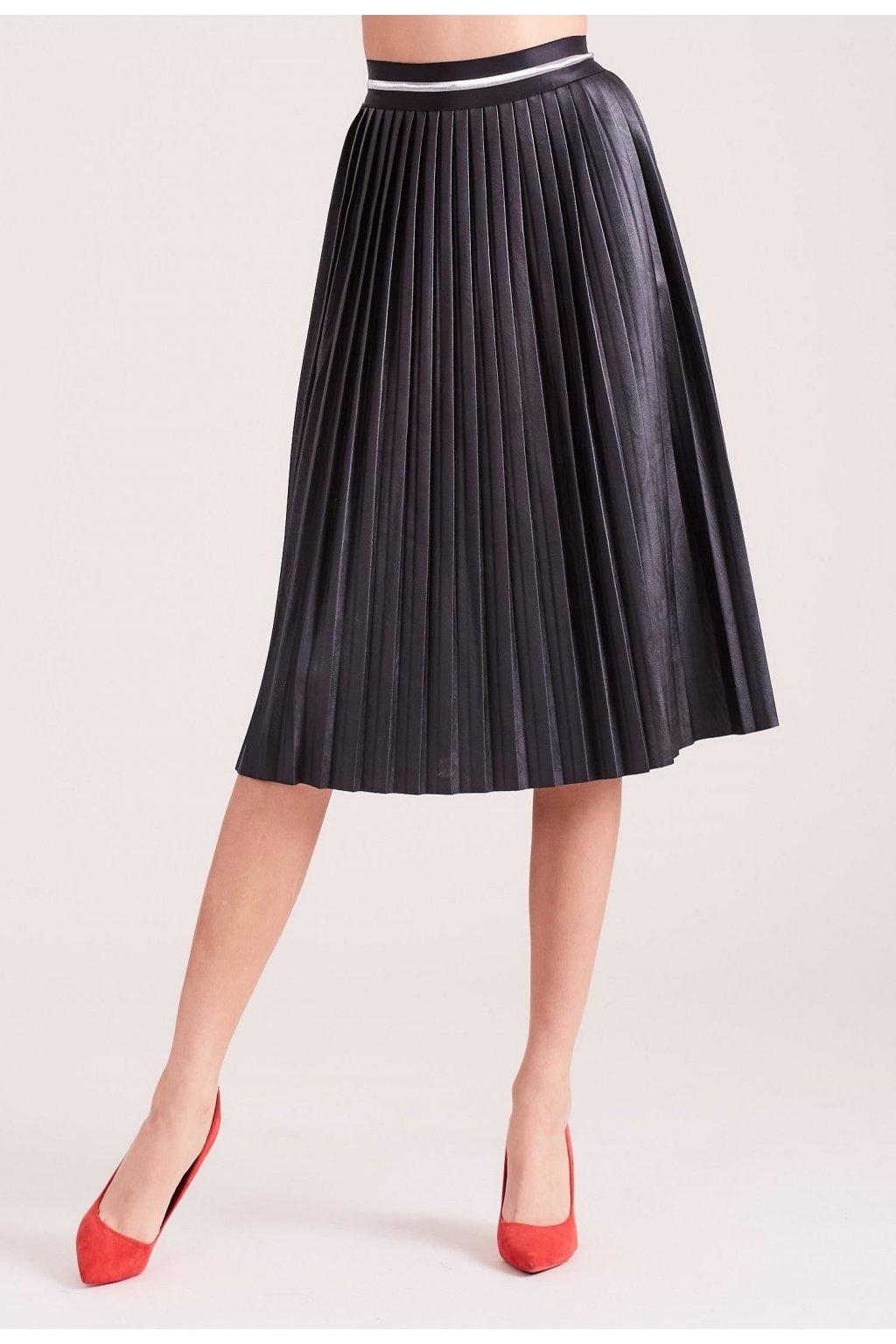 Černá dámská plisovaná sukně