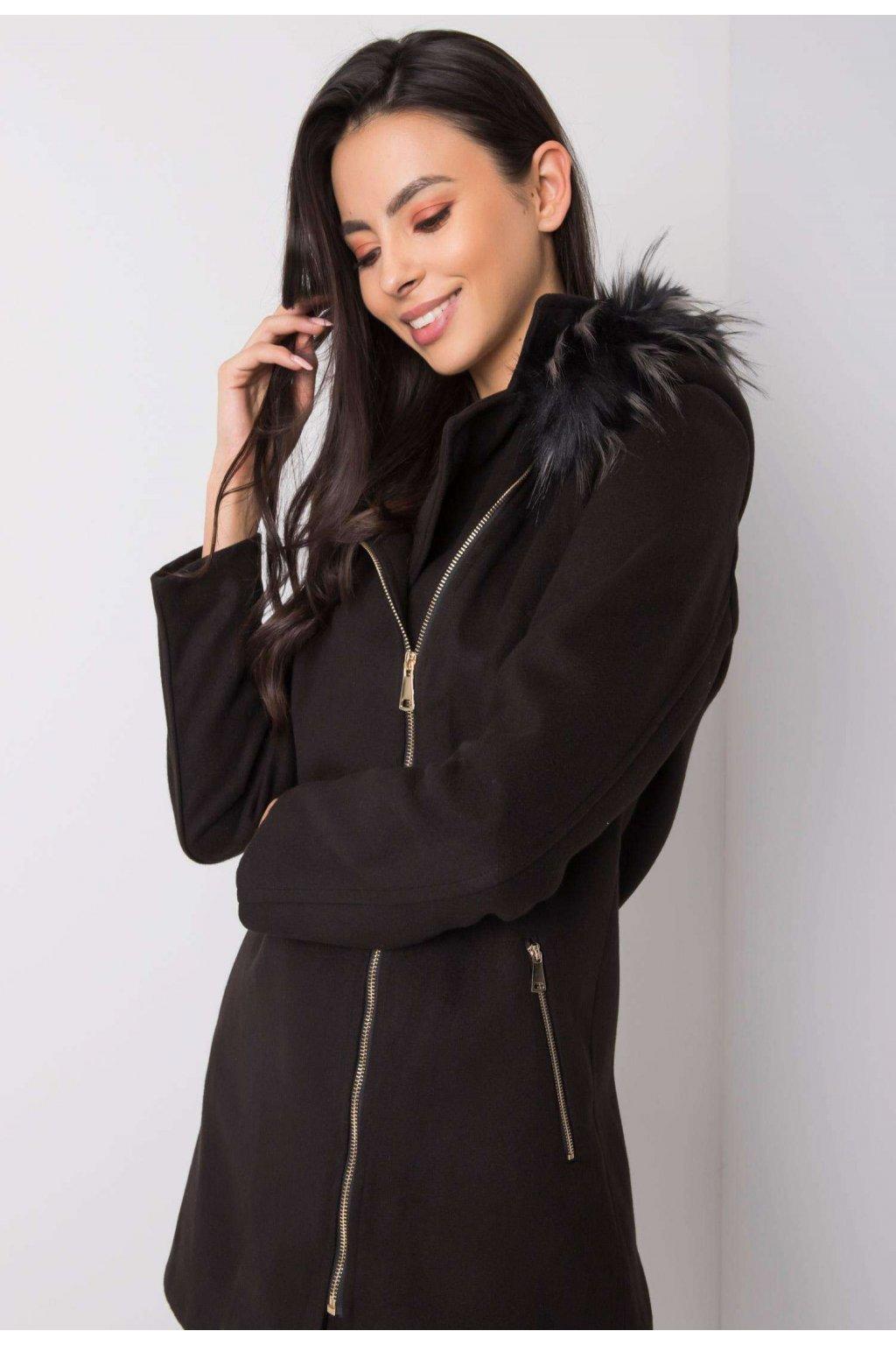 Černý dámský kabát