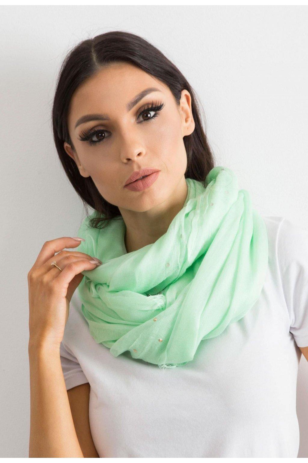 Zöld női kendő