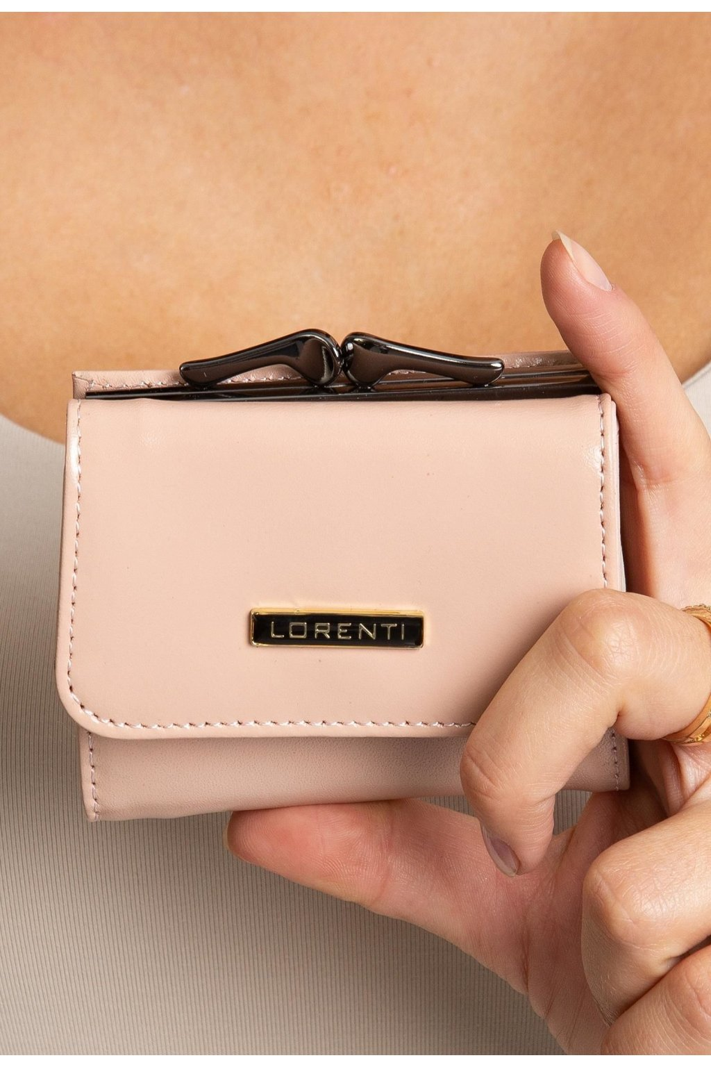 Rózsaszín női pénztárca
