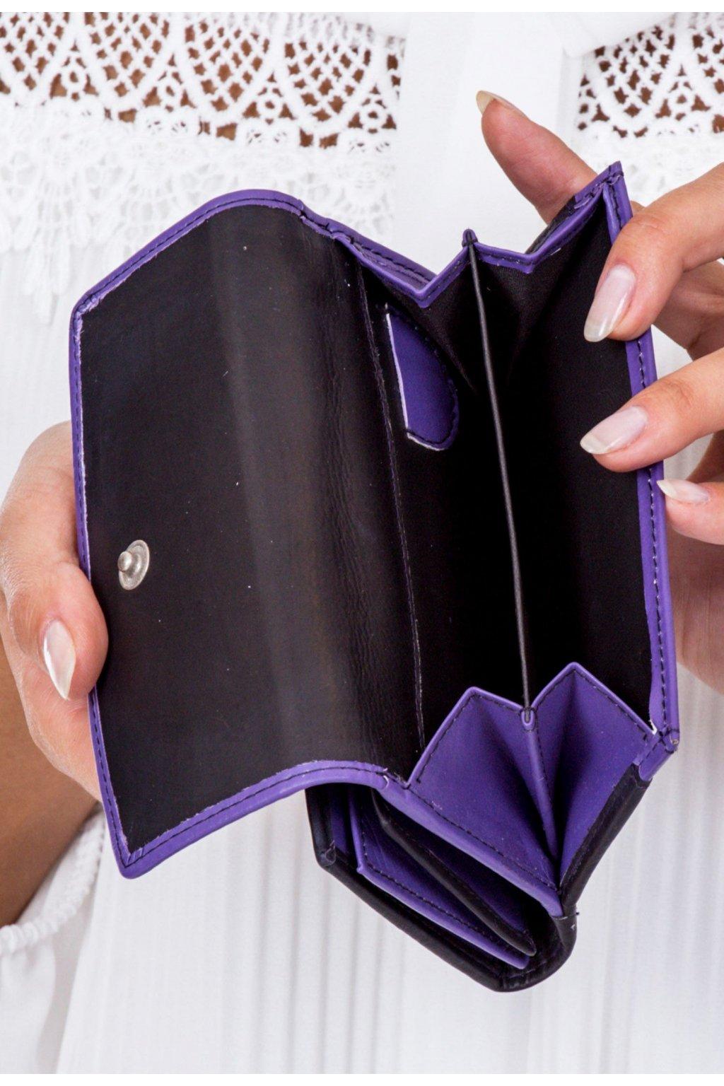 Lila női pénztárca