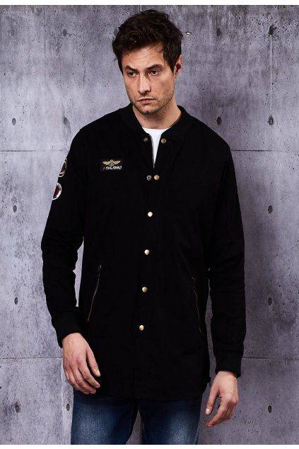 Fekete férfi dzseki