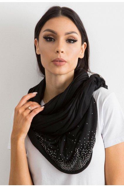 Fekete női kendő