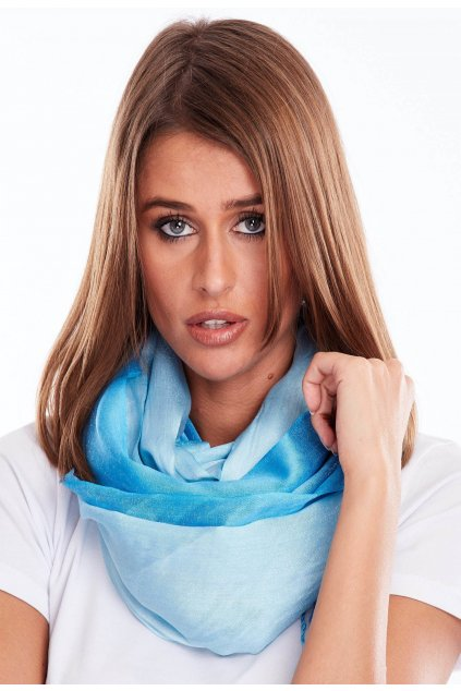 Kék női kendő