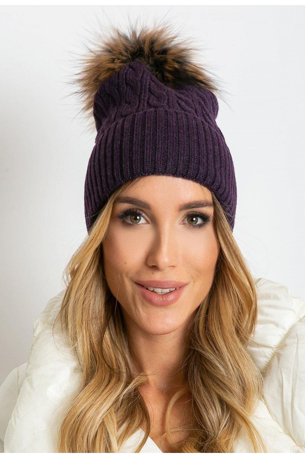 Fialová dámska čiapka