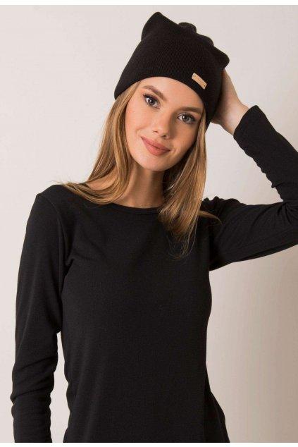 Čierna dámska čiapka