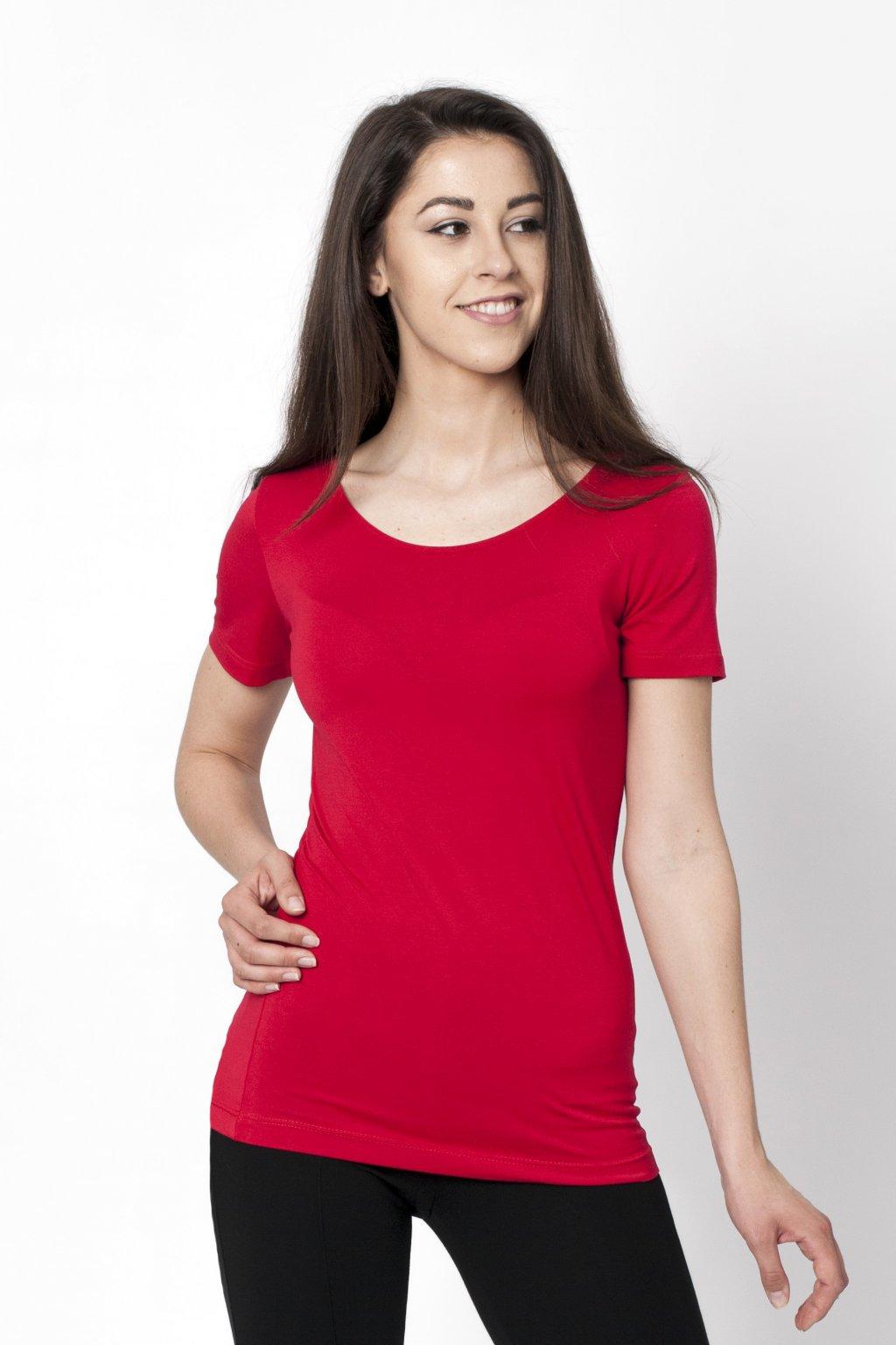 červené tričko
