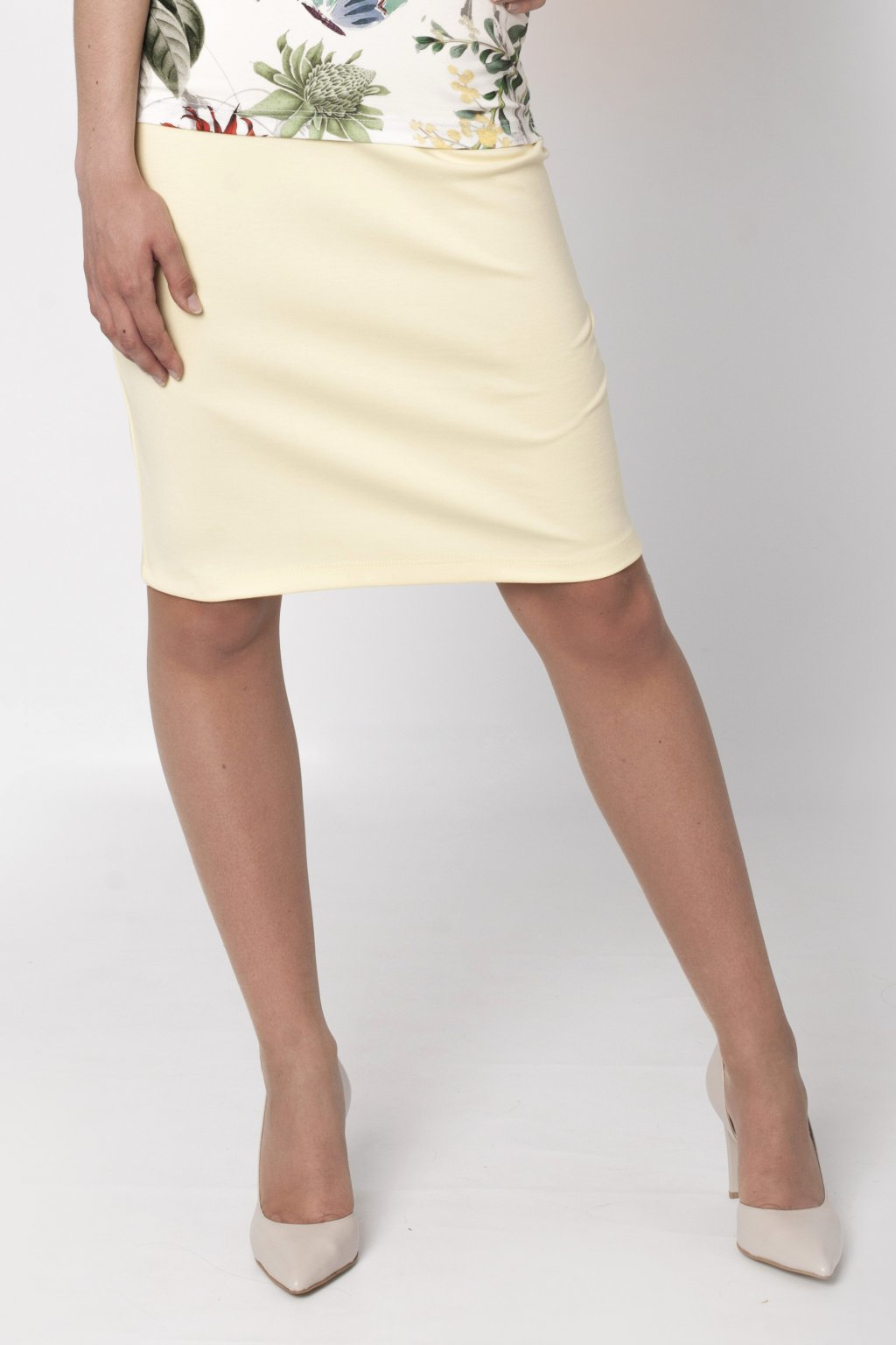 žltá-dámska-sukňa-favab.sk.jpg