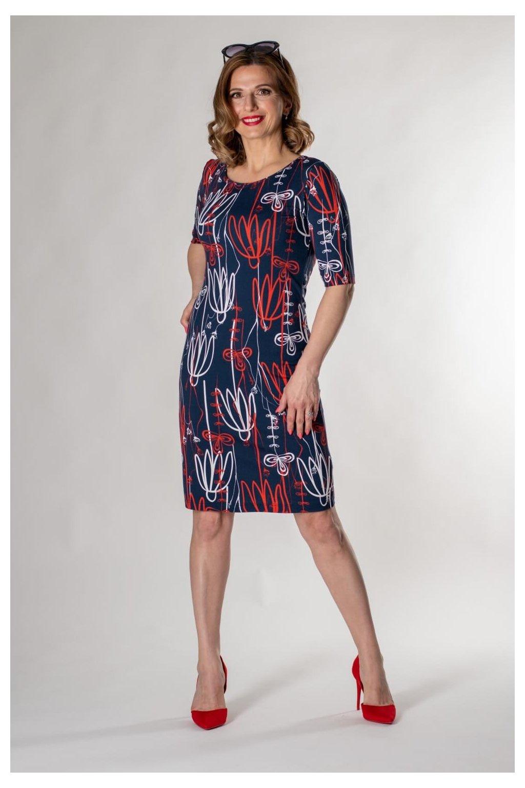 vzorované šaty vypan mod