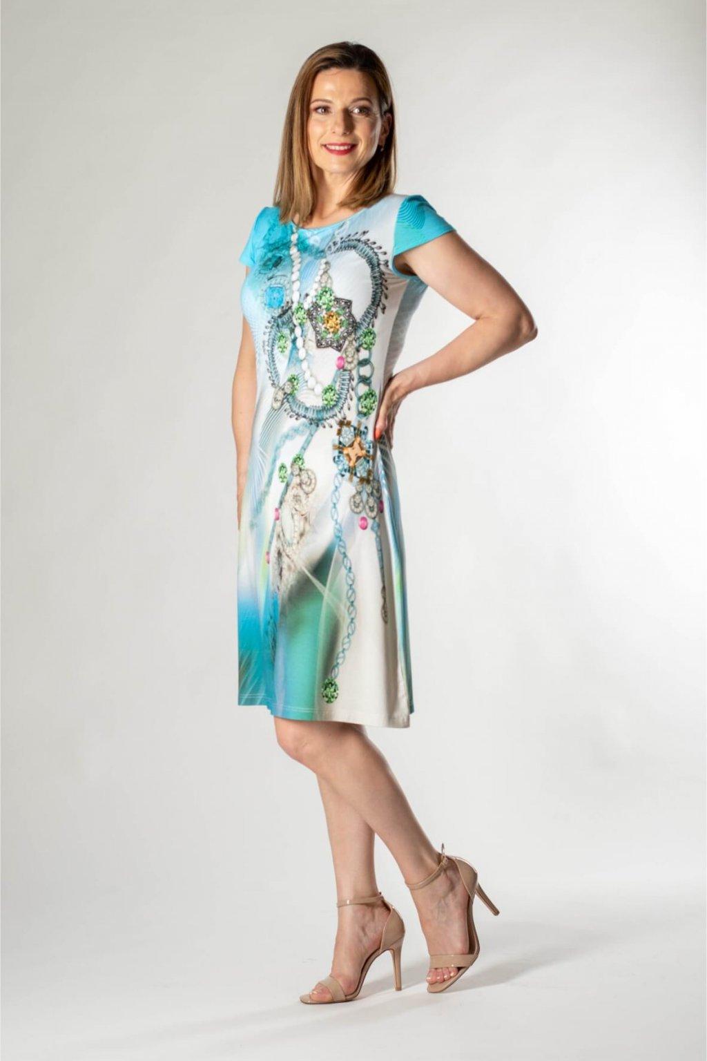 potlačené šaty do áčka