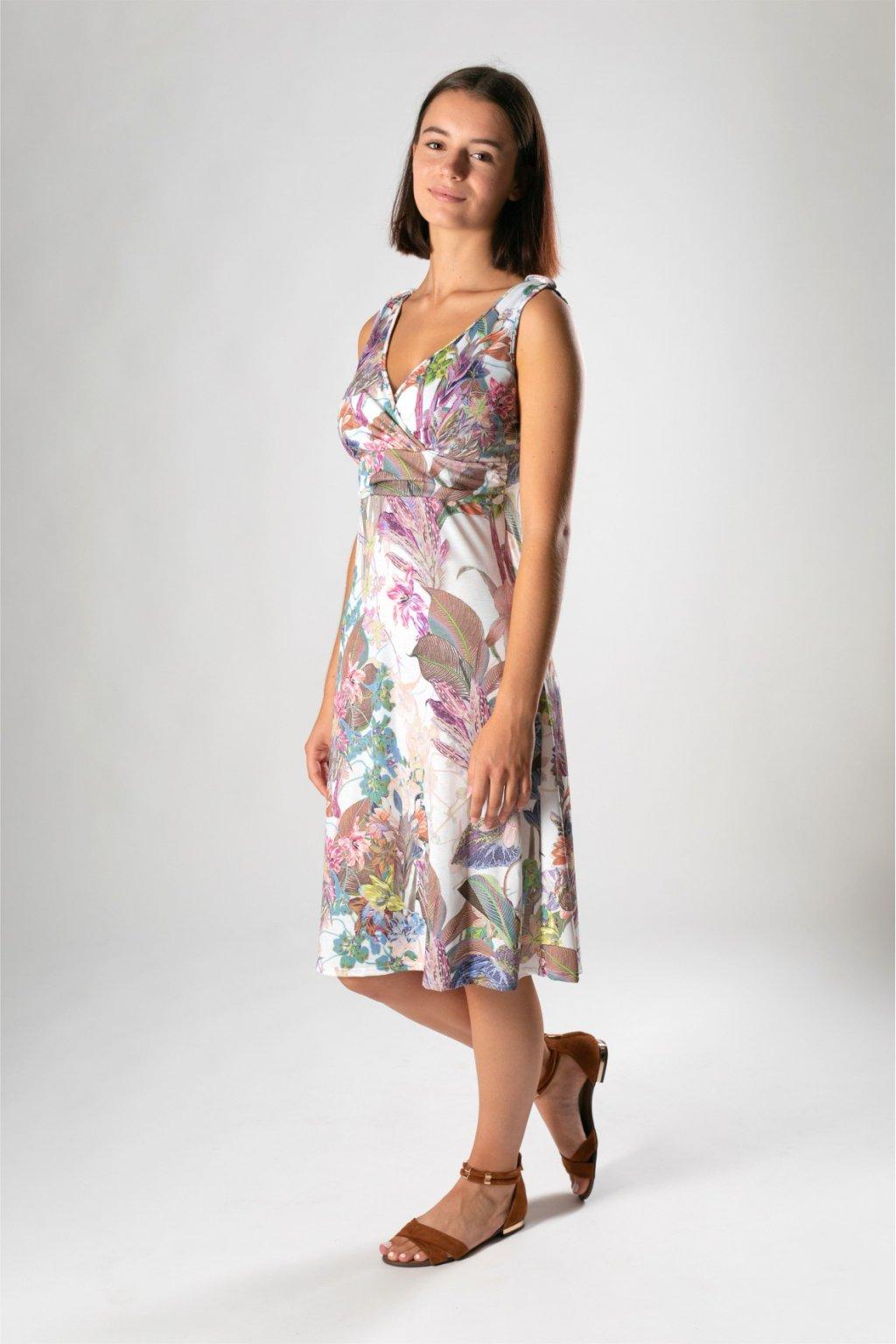 romantické šaty v potlači