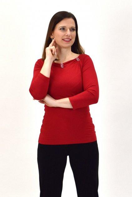 červená tlmená farba