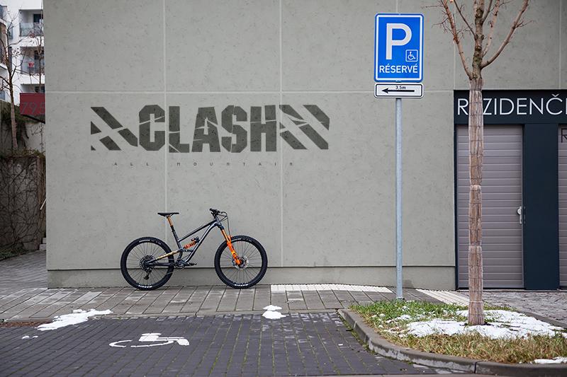 Představení Clash