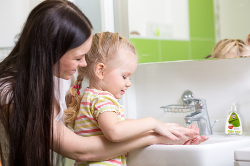 Mýt či nemýt? Toť otázka aneb jak často a čím si umývat ruce?