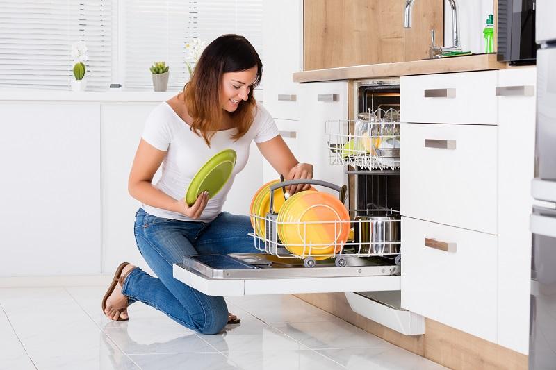 nádobí v myčce umývání tipy